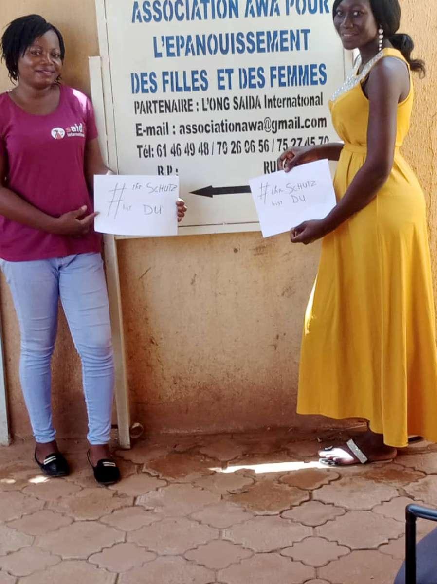Projektkoordinatorin Elody und Patenmädchen Pauline in Burkina Faso