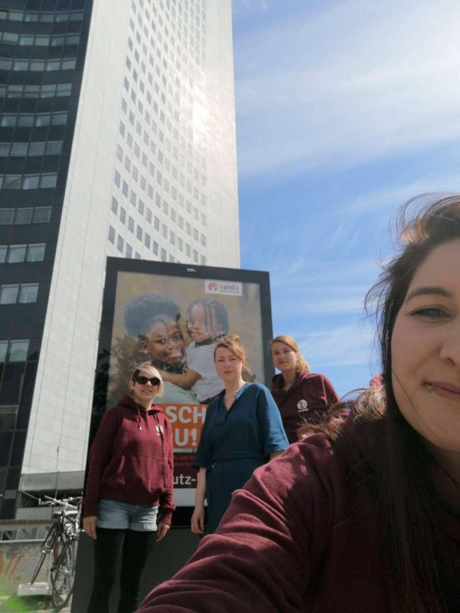 Das Saida Team vor der Moritz Bastei